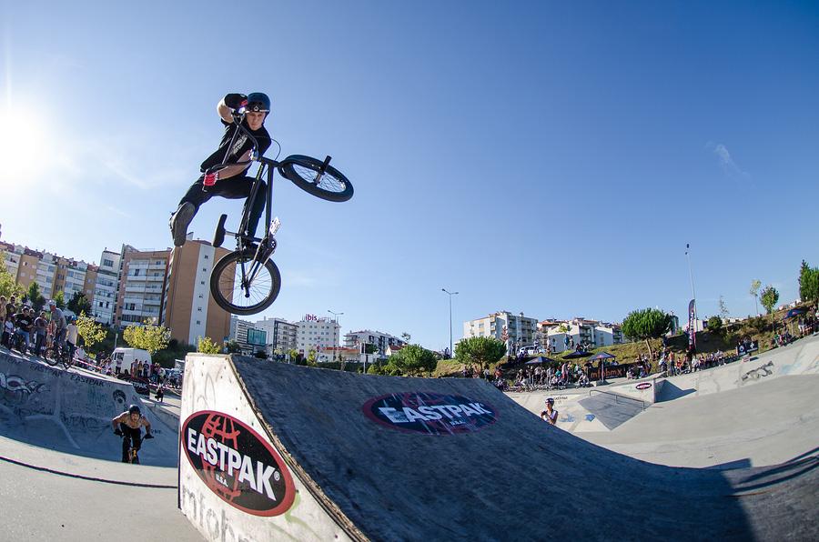 Heiße BMX Action für Adrenalin pur